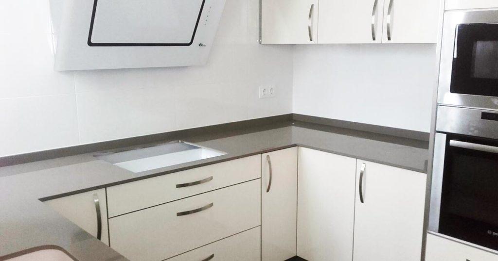 iluminación-cocinas-light-grey-pulido
